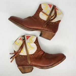 SAM EDELMAN Shane Western Ankle Boots
